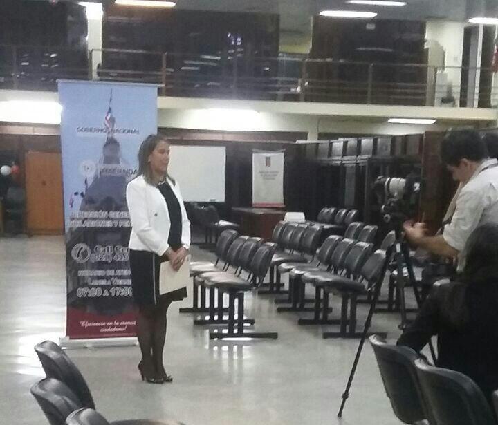 María Irene Barreto de Gómez presentando el proyecto